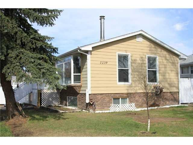 Main Photo: 2239 37 Street SE in CALGARY: Forest Lawn Residential Detached Single Family for sale (Calgary)  : MLS®# C3598587