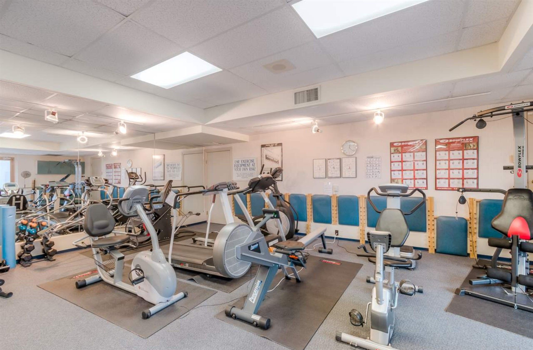 Photo 19: Photos: 410, 15111 Russell Avenue: White Rock Condo for sale (South Surrey White Rock)  : MLS®# R2152299