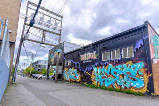 """Photo 34: 303 2525 QUEBEC Street in Vancouver: Mount Pleasant VE Condo for sale in """"The Cornerstone"""" (Vancouver East)  : MLS®# R2576101"""