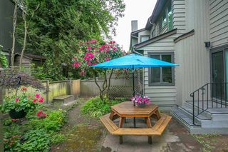 """Photo 18: 4784 LAURELWOOD Place in Burnaby: Greentree Village Townhouse for sale in """"GREENTREE VILLAGE"""" (Burnaby South)  : MLS®# R2375023"""