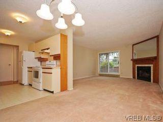 Photo 5: 104 1234 Fort St in VICTORIA: Vi Downtown Condo for sale (Victoria)  : MLS®# 550967