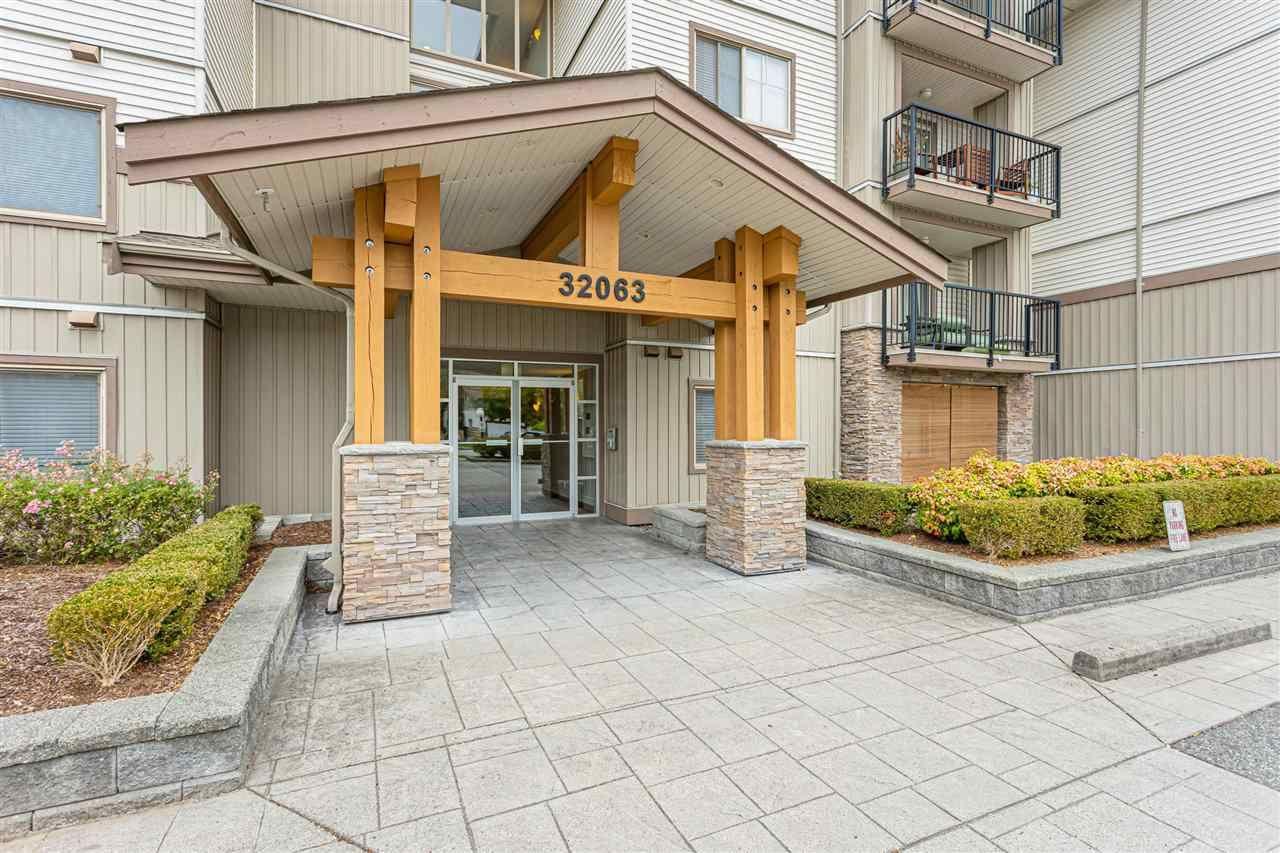 Main Photo: 110 32063 MT WADDINGTON Avenue in Abbotsford: Abbotsford West Condo for sale : MLS®# R2574604