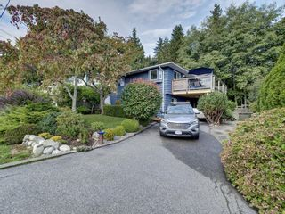 Photo 1: 736 CREEKSIDE Crescent in Gibsons: Gibsons & Area House for sale (Sunshine Coast)  : MLS®# R2624536