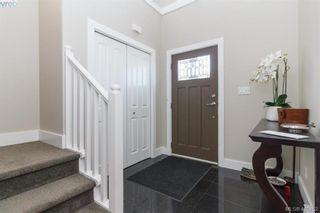 Photo 2: 927 Shirley Rd in VICTORIA: Es Kinsmen Park Half Duplex for sale (Esquimalt)  : MLS®# 813669