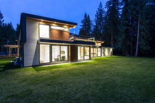 """Photo 5: 4011 LIONS Avenue in North Vancouver: Forest Hills NV House for sale in """"Forest Hills"""" : MLS®# R2514322"""