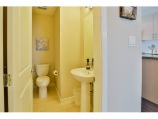 Photo 6: #11 14888 62 ave in Surrey: Sullivan Station Townhouse for sale : MLS®# F1444009