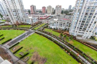 """Photo 13: 1408 7108 COLLIER Street in Burnaby: Highgate Condo for sale in """"ARCADIA WEST"""" (Burnaby South)  : MLS®# R2144711"""