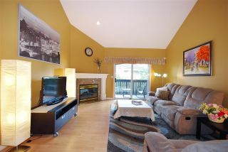 Photo 2: 148 1685 PINETREE Way in Coquitlam: Westwood Plateau Townhouse for sale : MLS®# R2047348