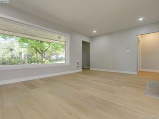 Photo 3: 907 Kingsmill Rd in VICTORIA: Es Gorge Vale Half Duplex for sale (Esquimalt)  : MLS®# 789216