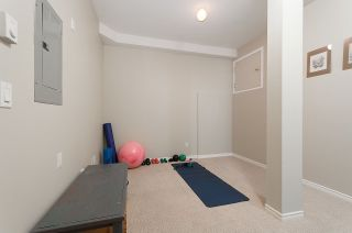 """Photo 14: 13 222 E 5TH Street in North Vancouver: Lower Lonsdale Townhouse for sale in """"BURHAM COURT"""" : MLS®# R2041998"""