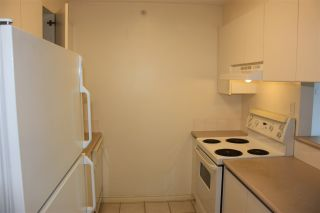 """Photo 8: 204 720 CARNARVON Street in New Westminster: Downtown NW Condo for sale in """"CARNARVON TOWER"""" : MLS®# R2093454"""