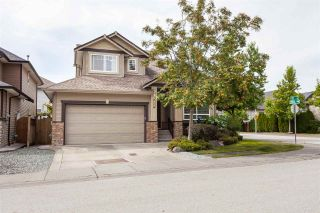 """Photo 2: 7263 197 Street in Langley: Willoughby Heights House for sale in """"Mountainview Estates"""" : MLS®# R2489043"""