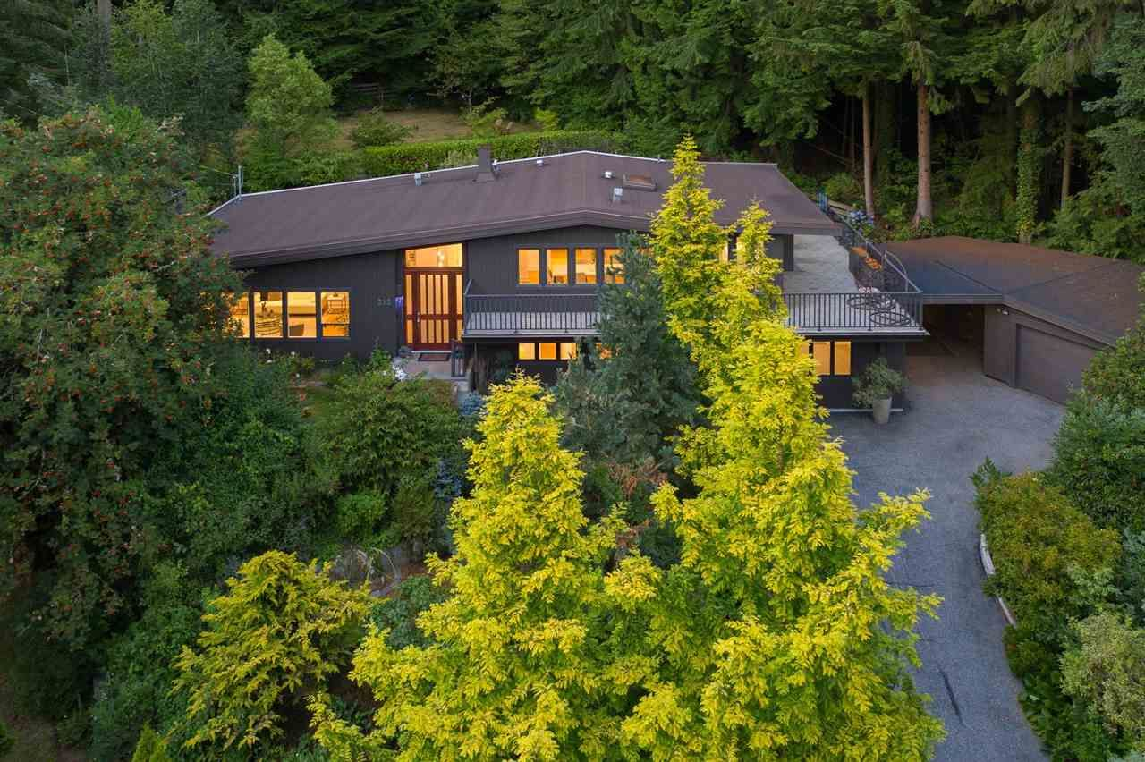 Photo 2: Photos: 315 MULGRAVE Place in West Vancouver: British Properties House for sale : MLS®# R2483368