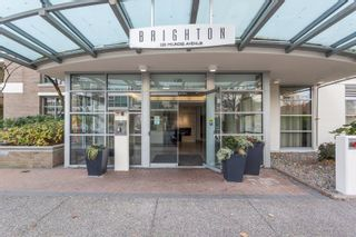 """Photo 1: 901 120 MILROSS Avenue in Vancouver: Mount Pleasant VE Condo for sale in """"The Brighton"""" (Vancouver East)  : MLS®# R2223429"""