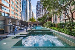 """Photo 32: 1017 788 RICHARDS Street in Vancouver: Downtown VW Condo for sale in """"L'HERMITAGE"""" (Vancouver West)  : MLS®# R2388898"""