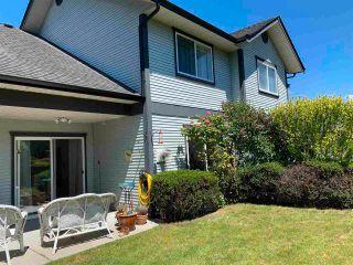 Photo 2: 118 5711 EBBTIDE Street in Sechelt: Sechelt District Townhouse for sale (Sunshine Coast)  : MLS®# R2587228