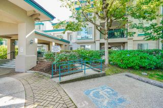 """Photo 2: 233 19528 FRASER Highway in Surrey: Cloverdale BC Condo for sale in """"Fairmont On The Boulevard"""" (Cloverdale)  : MLS®# R2615595"""