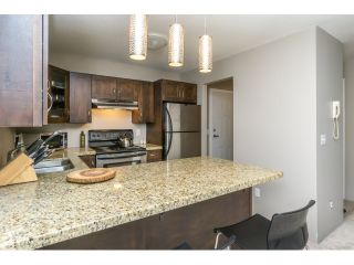 """Photo 3: 215 450 BROMLEY Street in Coquitlam: Coquitlam East Condo for sale in """"BROMLEY MANOR"""" : MLS®# R2030083"""