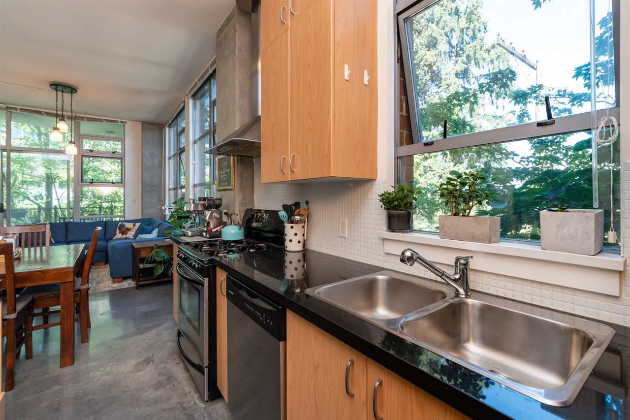 Photo 11: Photos: 207 2635 PRINCE EDWARD STREET in Vancouver: Mount Pleasant VE Condo for sale (Vancouver East)  : MLS®# R2488215