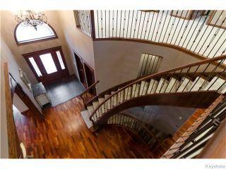 Photo 2: 71 McDowell Drive in Winnipeg: Charleswood Residential for sale (South Winnipeg)  : MLS®# 1600741