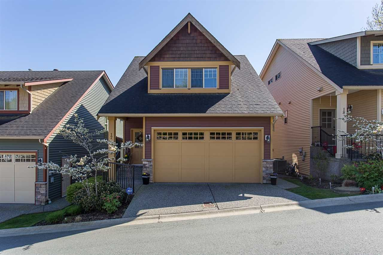"""Main Photo: 17 36169 LOWER SUMAS MOUNTAIN Road in Abbotsford: Abbotsford East Townhouse for sale in """"Junction Creek"""" : MLS®# R2158498"""