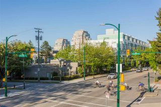 """Photo 18: 204 2851 HEATHER Street in Vancouver: Fairview VW Condo for sale in """"Tapestry"""" (Vancouver West)  : MLS®# R2495572"""