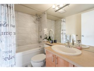 """Photo 17: 607 1077 MARINASIDE Crescent in Vancouver: Yaletown Condo for sale in """"Marinaside Resort"""" (Vancouver West)  : MLS®# R2573754"""