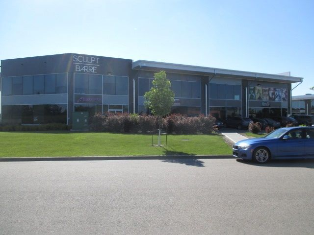 Main Photo: 240 145 Carleton Drive in St. Albert: Campbell Business Park Office for lease : MLS®# E4074686