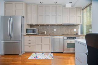 """Photo 8: 413 1333 W GEORGIA Street in Vancouver: Coal Harbour Condo for sale in """"Qube Building"""" (Vancouver West)  : MLS®# R2602829"""