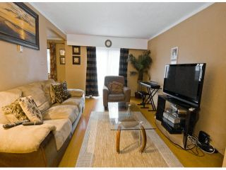 """Photo 3: 37 14111 104TH Avenue in Surrey: Whalley Townhouse for sale in """"HAWTHORNE PARK"""" (North Surrey)  : MLS®# F1302585"""