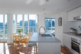 """Photo 16: 1901 188 KEEFER Street in Vancouver: Downtown VE Condo for sale in """"188 Keefer"""" (Vancouver East)  : MLS®# R2580272"""