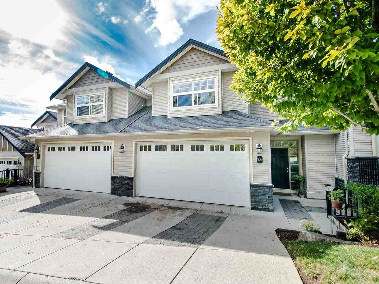 """Main Photo: 24 36260 MCKEE Road in Abbotsford: Abbotsford East Townhouse for sale in """"King's Gate"""" : MLS®# R2501750"""