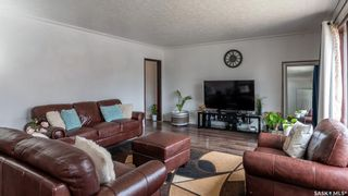 Photo 2: 129 T Avenue South in Saskatoon: Pleasant Hill Residential for sale : MLS®# SK850246