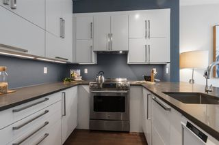 """Photo 6: 8583 AQUITANIA Place in Vancouver: South Marine Townhouse for sale in """"SOUTHAMPTON"""" (Vancouver East)  : MLS®# R2608907"""