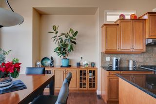 Photo 17: 244 Springbluff Heights SW in Calgary: Springbank Hill Detached for sale : MLS®# A1094759
