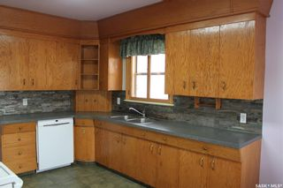 Photo 5: 118 3rd Avenue West in Gravelbourg: Residential for sale : MLS®# SK864838