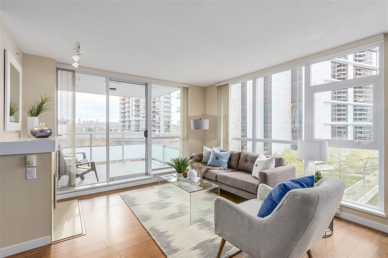 """Main Photo: 406 4400 BUCHANAN Street in Burnaby: Brentwood Park Condo for sale in """"MOTIF"""" (Burnaby North)  : MLS®# R2219901"""