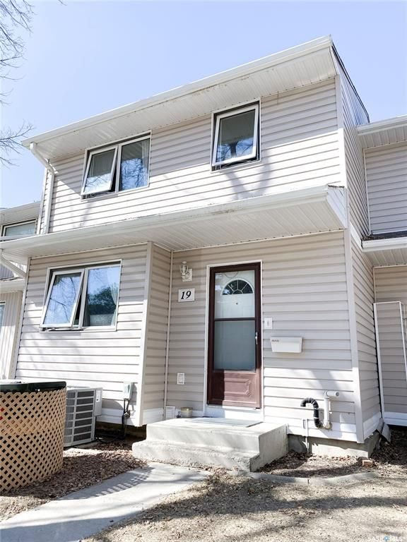 Main Photo: 19 330 Haight Crescent in Saskatoon: Wildwood Residential for sale : MLS®# SK849114