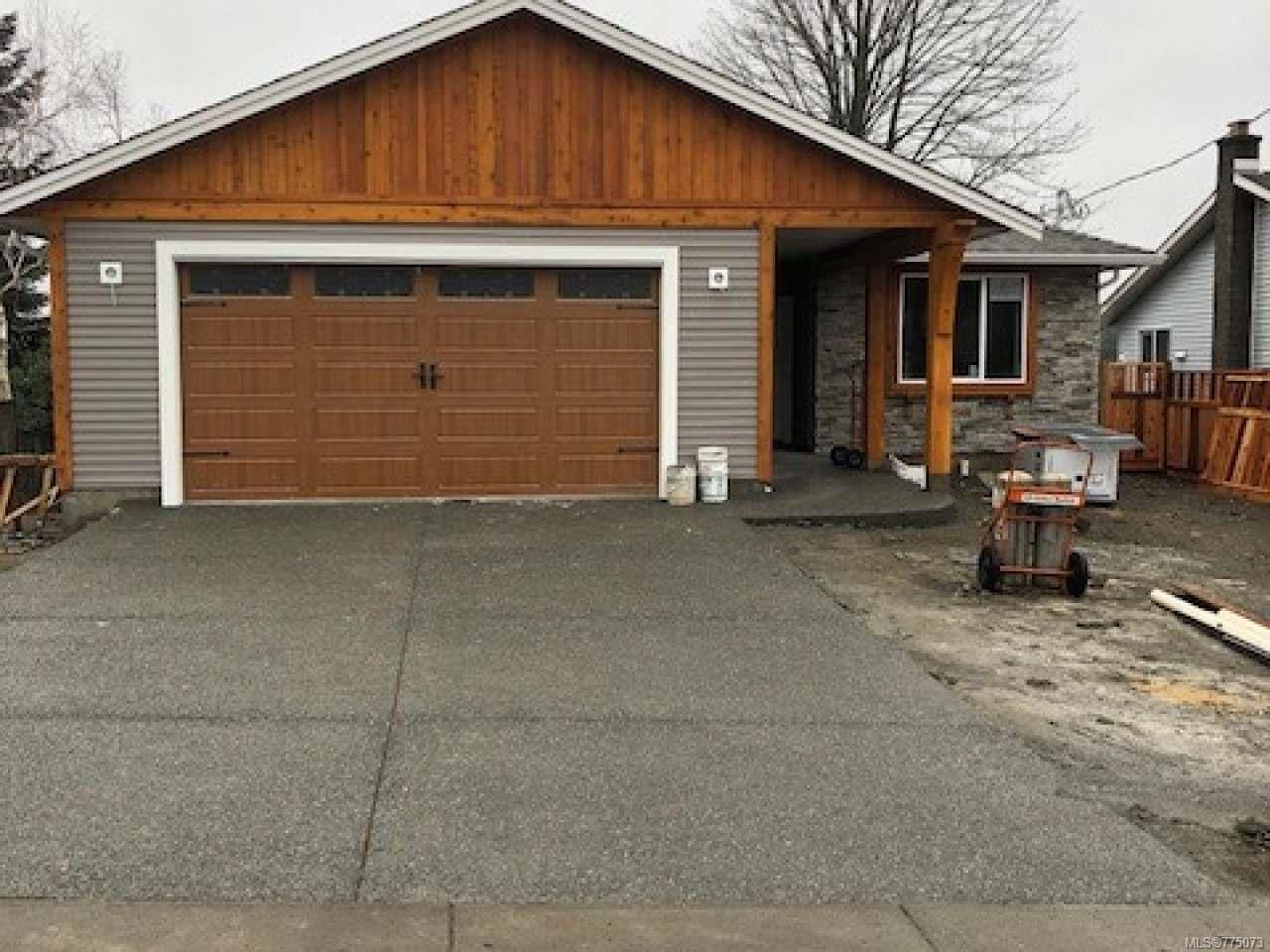Photo 2: Photos: 699 Eland Dr in CAMPBELL RIVER: CR Campbell River Central House for sale (Campbell River)  : MLS®# 775073