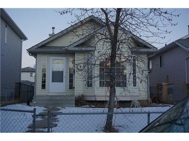 Main Photo: 7167 LAGUNA Way NE in Calgary: Monterey Park Residential Detached Single Family for sale : MLS®# C3652715
