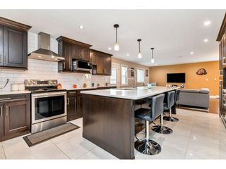 """Photo 2: 17345 63A Avenue in Surrey: Cloverdale BC House for sale in """"Cloverdale"""" (Cloverdale)  : MLS®# R2446374"""