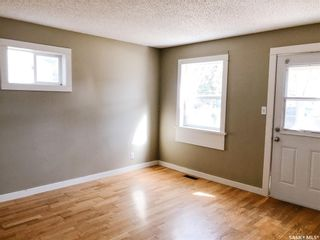 Photo 3: 1417 10th Avenue North in Saskatoon: North Park Residential for sale : MLS®# SK849345