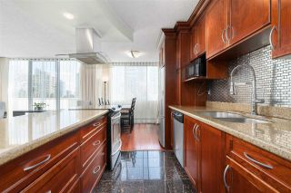 """Photo 4: 704 4200 MAYBERRY Street in Burnaby: Metrotown Condo for sale in """"TIMES SQUARE"""" (Burnaby South)  : MLS®# R2573278"""