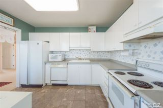 Photo 7: 1202 4830 BENNETT Street in Burnaby: Metrotown Condo for sale (Burnaby South)  : MLS®# R2052659