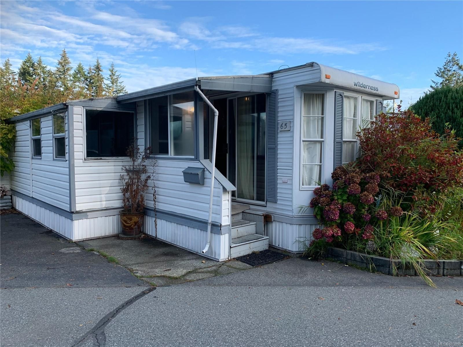 Main Photo: 65 6245 Metral Dr in Nanaimo: Na Pleasant Valley Manufactured Home for sale : MLS®# 883198