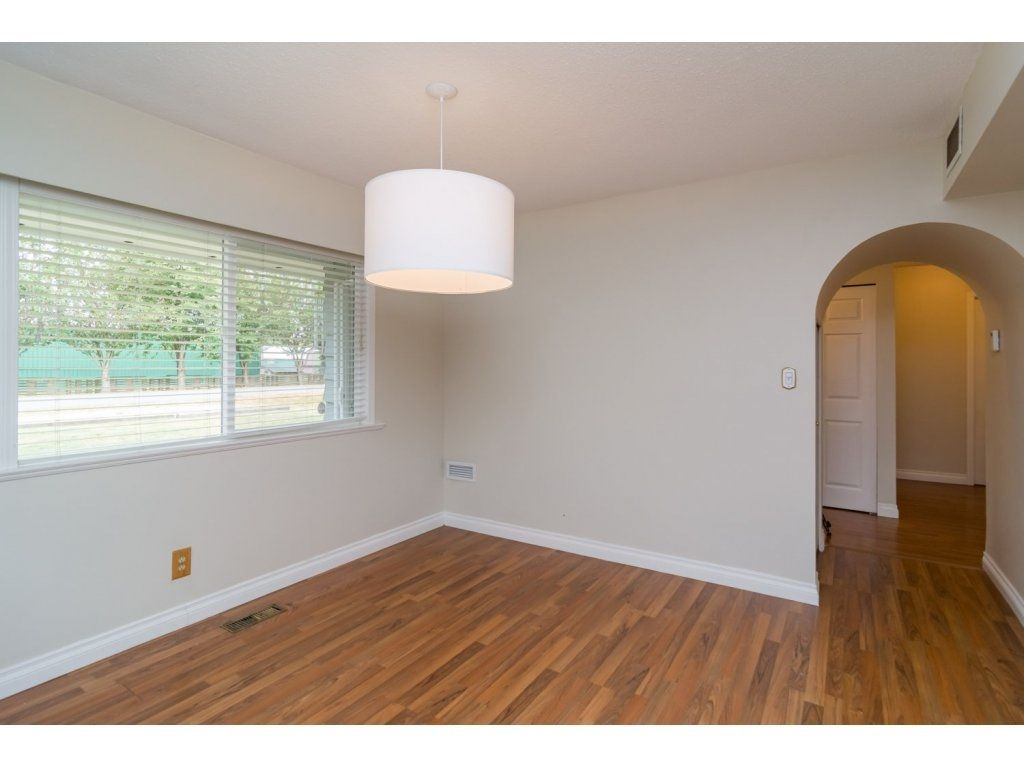 Photo 7: Photos: 9058 WRIGHT Street in Langley: Fort Langley House for sale : MLS®# R2104173