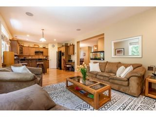 """Photo 4: 6655 187A Street in Surrey: Cloverdale BC House for sale in """"HILLCREST ESTATES"""" (Cloverdale)  : MLS®# R2578788"""