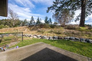Photo 14: 15 Massey Pl in : VR Six Mile Row/Townhouse for sale (View Royal)  : MLS®# 868985