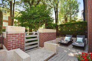 """Photo 3: 101 2137 W 10TH Avenue in Vancouver: Kitsilano Townhouse for sale in """"THE I"""" (Vancouver West)  : MLS®# R2097974"""