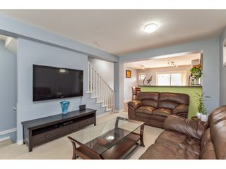 """Photo 11: 42 4401 BLAUSON Boulevard in Abbotsford: Abbotsford East Townhouse for sale in """"The Sage"""" : MLS®# R2554193"""